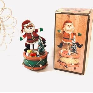Vintage | 1980 Dancing Musical Santa Music Box